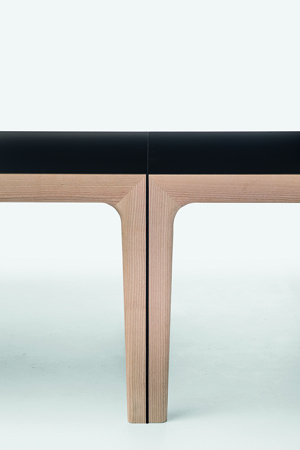 AMALONG table08, sophisticated dining table leg detail