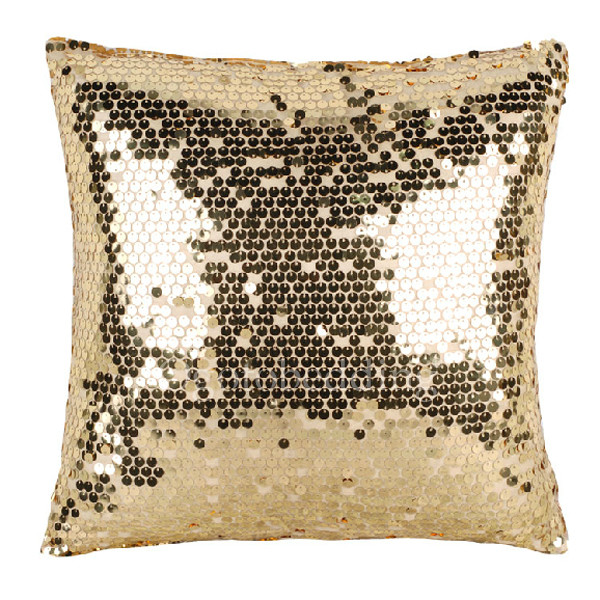 Throw Pillow Makeover : Instant makeover with throw pillows