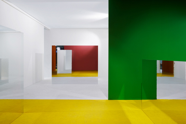 EHI 01, bright colors in pavilions