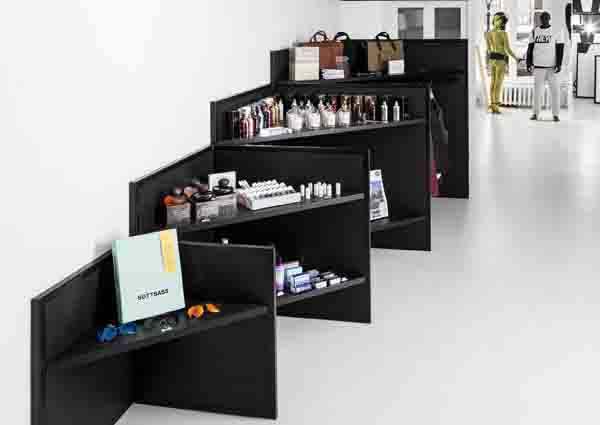 shop 03-10, shelves behind panels, retail design ideas